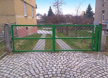 Dvoukřídlé brány